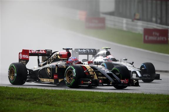 Parecen seguir los progresos en Lotus. Grosjean logro terminar y ser 16° en la Qualy de Sepang.