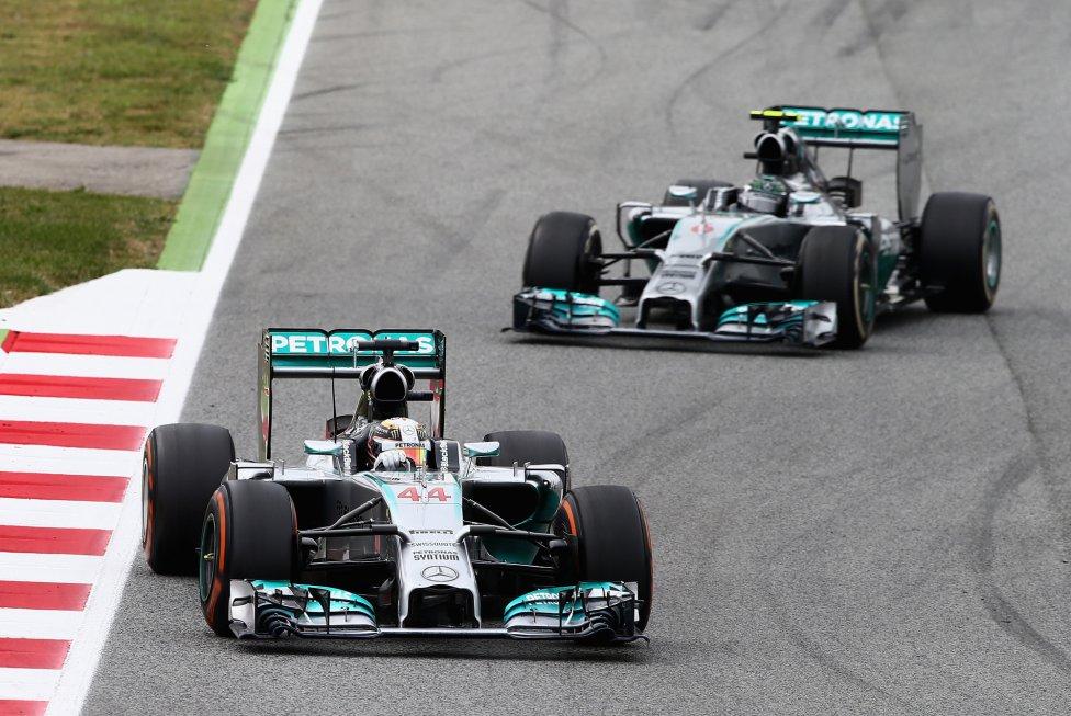 Los Mercedes de Hamilton y Rosberg destacaron de principio a final